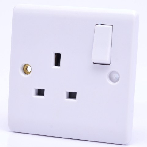 Premspec 1G 13A DP Switched Socket